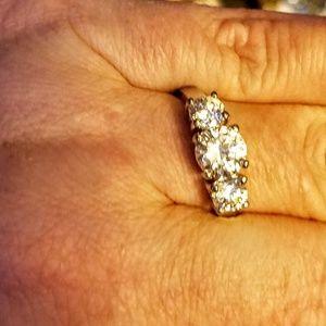 Avon silver tone 3 cz ring